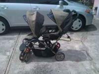 This gorgeous double stroller is in great condition!