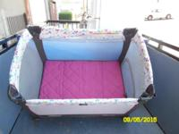 Very good condition,clean,no stains or odors!Contains