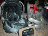 Graco Safe Seat Car Seat Carrier & two bases (Navy