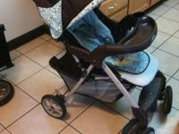 Graco Stroller (blue) in excellent condition. Has cup