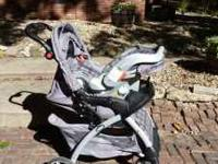 Graco stroller carseat combo w/ one base. Colors are