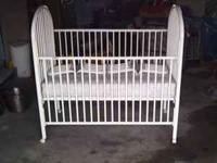 "‎""like new"" baby bed/crib. Everything is there -"