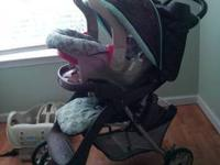 In excellent used condition. GRACO travel system,