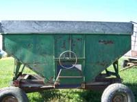 for sale is a 160 bushel gravity box top only in