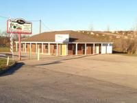 Great commercial or office opportunity. Over 1900