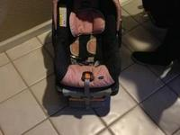 #1-rated infant car seat of 22 lb capacity infant