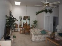 Relax in a very comfortable 2/2 condo in Port Charlotte