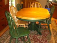 Type:Dining RoomType:SetsBeautiful dining table. Comes