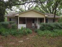 Great Fixer Upper - 3 br, 1 bath w/seperate dining