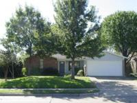 Cute 3 bedroom 2 bath home on large lot with tons of