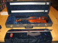 3/4 size violin, Comes with a beautiful Case, Bow,