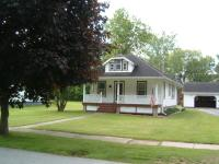 This is an effectively kept older home located on