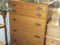 5 DRAWER CHEST OF DRAWERS, ALL WOOD, IN EXCELLENT
