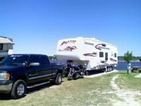 LIKE NEW CONDITIONOne owner 5th wheel trailer! MSRP New