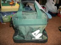 Green & Black Brunswick Bowling Ball Bag Has a Zippered