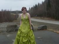 I Have a beautiful green formal dress only been worn 1