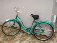 Schwinn Classic Women's Beach cruiser, 26 inch wheels,