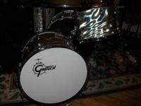 "i have this 1960's gretsch round badge 13"" tom and 20"""