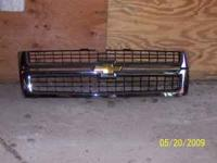 New grill out of 2008 Chevrolet 2500HD.  Location: