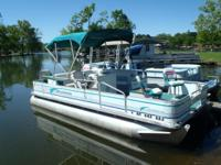 Grumman 20ft Sportfish 40hp Yamaha no trailer. Short
