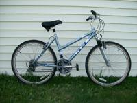 Ladies GT Timberline Comfort Bike. Suspension Fork &