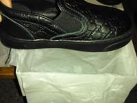 All black never warn Size 22 in children; with box and