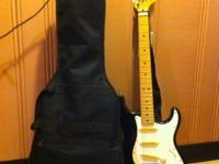 B&W Fender Stratocaster in excellent condition with