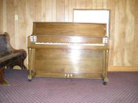 Gulbransen piano. The varnish is used somewhat, but the