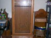 Gun Cabinet, for 8 guns I think, Good shape, not been
