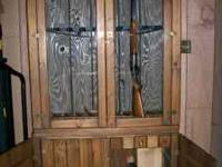 BEAUTIFULLY CRAFTED GUN CABINET, LIGHTED INTERIOR, LOTS