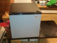 (Like New) Haier 2.7 cu. ft. Compact Refrigerator &