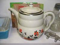 Very nice, beautiful vintage Hall coffee pot, in great