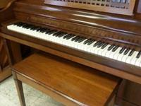 Hallet Davis console piano with bench - very nice piano