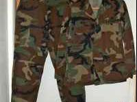 This Army BDU (Basic Dress Uniform) Set is a size