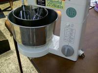 I have a Hamilton Beach big mouth juice extractor for