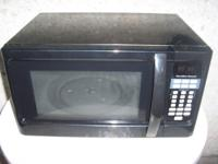 USED HAMILTON BEACH COUNTERTOP MICROWAVE. 1000WATTS.