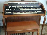 MODEL T-433 B-83611 VERY NICE CONDITION SOUNDS GREAT/