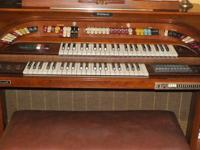 This Hammond C 3 comes with the Lesley Speaker model