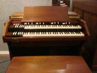 Vintage 1957 Hammond C2 Organ in mint condition and