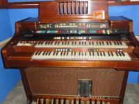 FREE!!!  Good looking, functioning Hammond organ with