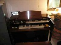 Hammond M3 organ. Looks to be in great shape, but I