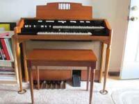For Sale, Hammond model L-100 series spinet organ.