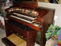 Hammond organ for sale, includes the original books,