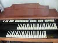 Hammond electric organ for sale. Asking $100 or best