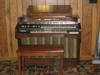 Hammond T-524C Tone wheel generator organ. Please call