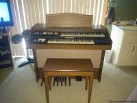 Must Sell! Hammond double keyboard with bench. Organ