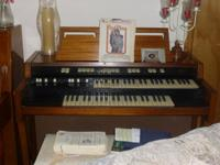 Good Condition Hammond Organ.  Plays great. All