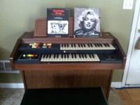 Hammond organ piano in Grayson area.  Well taken care