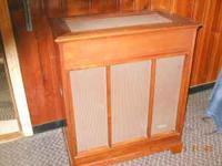 hammond tone cabinet pr40 in mint cond. the cabinet