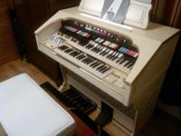 Hammond organ T- series with bench and owner's playing